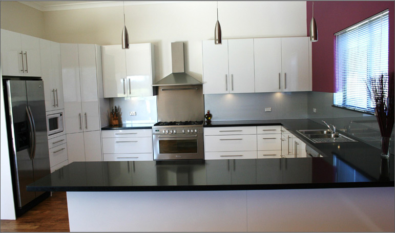 Black Kitchen Grey Benchtop