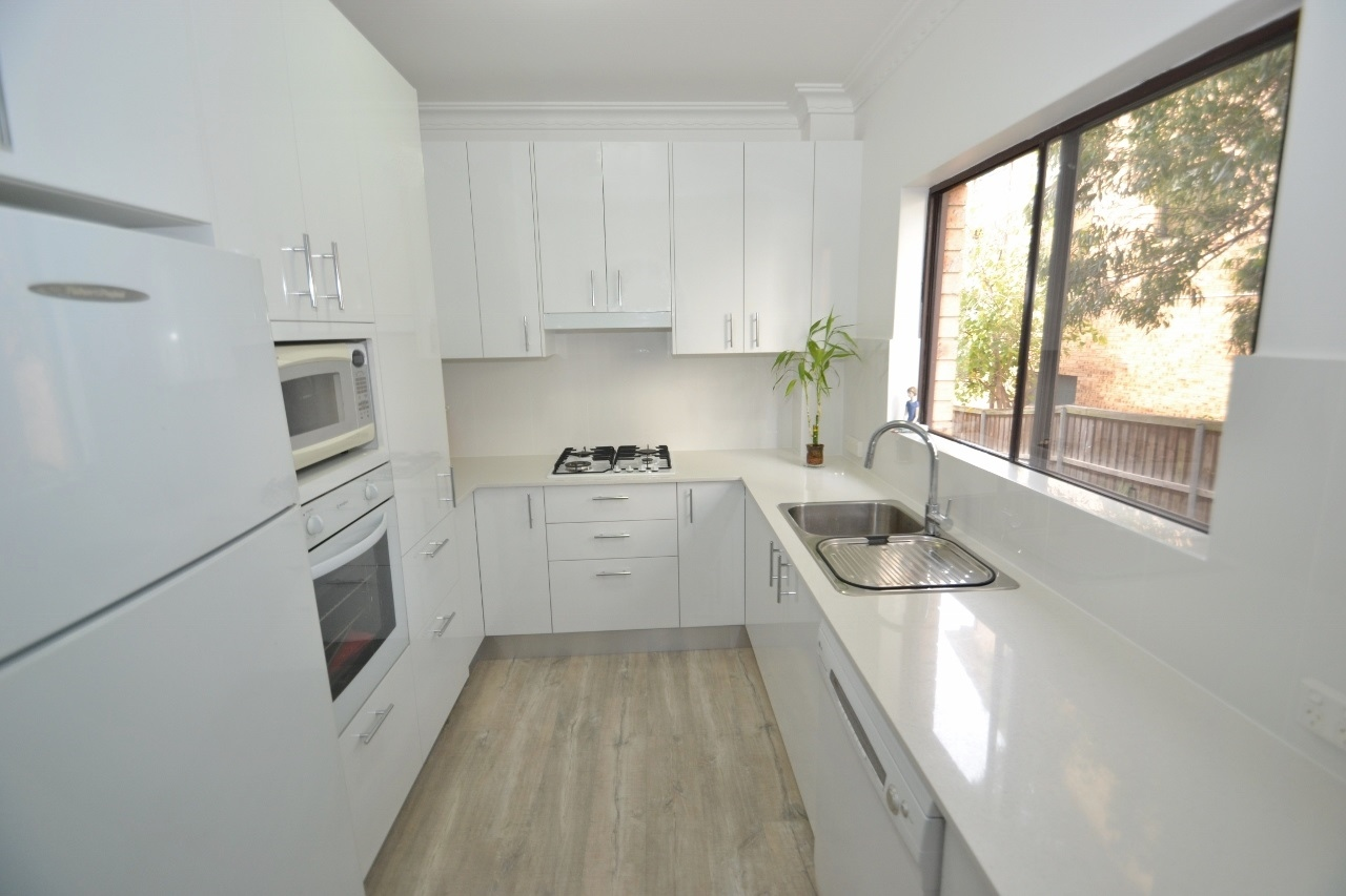 White Laminate Kitchen
